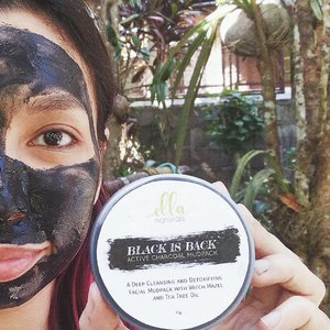 Tried the active charcoal mudpack from @ellanaturals yesterday because my face felt clogged with dirt. So itchy. Using this felt minty fresh on my skin and my face felt so clean afterwards! I recommend using a mask at least once a week to see its full effects. 💆  #ellanaturals #charcoal #facemask #mask #skincareph #skincare #beautybloggerph #clozette #clozetteco