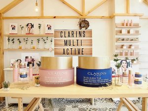 I'm gonna break into #ClarinsMY office tonight and run away with that two ginormous jars of Multi-Active cream 🤣. Just kidding 😝  Today was the Asian launch of the 5th generation of Multi-Active skincare duo - Multi-Active Jour Emulsion/Cream for day and Multi-Active Nuit Cream for night. I've been using Multi-Active for years now. It still smells as amazing as last time. . . . . #clarins #presslaunch #clarinsmultiactive #multiactivejour #multiactivenuit #antiaging #streetlovebeautyblog #bbloggers #sgigskincare #myigbeauty #instabeauty #malaysiabeauty #beautyaddict #sgigbeauty #skincarereview #skincareblog #skincareroutine #iloveskincare #luxurybeauty #skincarecommunity #instaskincare #clozette #clozetteambassador #beauty #365inskincare #sephoramy #sephoramy