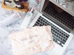I used only the best large, soft, 100% facial cotton, because our face deserved it 😝. Current favorite one is from #notsponsored #ibuymyown @albion_jp ❤️.......#albion #albionmy #isetan #facialcotton #streetlovebeautyblog #bbloggers #sgigskincare #myigbeauty #instabeauty #malaysiabeauty #beautyaddict #sgigbeauty #skincarereview #skincareblog #skincareroutine #iloveskincare #luxurybeauty #skincarecommunity #instaskincare #clozette #clozetteambassador #beauty #365inskincare #sephoramy #sephoramy