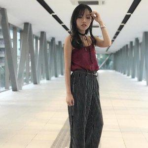 3/3 | Loving bangs so far cos I can either go cute, or badass 😌😎 • • • #carinnxootd #carinnxtravel #throwback #clozette #iFlookboard #blurpic