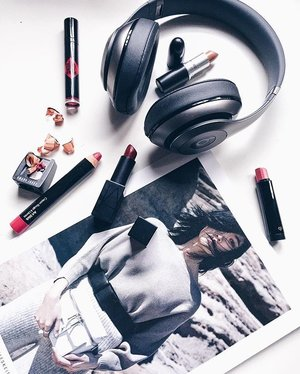 ~~ultimately, we are a lippie kind of gal and a music lover, how about you, lovelies?~~ #clubinstagram #instagood #instamood #lifestyleblogger #bblogger #lifestyle #beauty #stilllife #object #iphonography #vsco #vscocam #vscoday #makeup #fun #cosmetics #narsissist #maccosmetics #cledepeaubeautemy #shuuemura #thatsdarling #flashesofdelight #thehappynow #abmlifeiscolorful #love #clozette #lumilovesbeauty #bobbibrown #bobbibrownmalaysia #macmalaysia