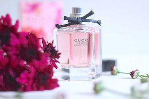 ~~all that is spring and lovely has arrived at one place, a place that smells of sensual femininity and it is seductively pleasing, Sunday kind of vibe for us here, trying to capture the @gucci limited edition #GucciFlora #gorgeousgardenia essence, hope you lovelies are enjoying your weekend~~
