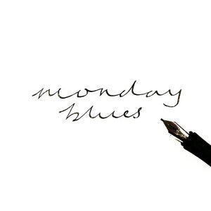 No more blues when it's DINEER TIMEEEEEEEE 😋😋😋 #clozette #handlettering #typography