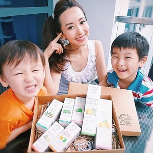 [Media Drop/Beauty Review] Received a parcel filled with Cherub Rubs' complete set of the latest bodycare range, like hair and body wash, shampoo, insect repellents and sunscreen, formulated specially for the little ones. 😊  The entire range is organic and toxic free.  Can't wait to try them out on Kaiser and Rayes!  Super thankful to Cherub Rubs and @wom_sgpr for sending the parcel over to pamper the kids! 🙏🙏 . . . Happy Baby, Happy Mummy! . . . . . #cherubrubs #natural #organic #bodywash #shampoo #kids #children #sunscreen. . #imageconsultant #instasg #potd #igers #singapore #fashion #lifestyleblogger #clozette #starclozetter #sgblogger #fashionblogger #beautyblogger #lifestyle #picoftheday #sg #stylexstyle #travelblogger #iamtb #fashionstylist