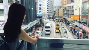 [Travel Review]One of the busy streets in Hong Kong island. 😊..........#travel #hk #travelling #travelphotography #travelgram #wanderlust ...#imageconsultant #instasg #potd #igers #singapore#fashion #lifestyleblogger #clozette #starclozetter#sgblogger #fashionblogger #beautyblogger#lifestyle #picoftheday #sg #stylexstyle#travelblogger #iamtb #fashionstylist