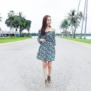 [Ootd/Fashion Review]Wearing @laurelblooms Allen Tropical Print Horn Sleeves Dress. Comfortable off-shoulder casual design for a relaxing stroll🚶🏻♀️. ❤️ this and I matched it with @fitflopsg latest collection, boots with lizard print design. .. .....#ootd #wiwt #ootdcampaign ...#imageconsultant #fashion #lifestyleblogger #clozette #starclozetter #sgblogger #fashionblogger #beautyblogger #lifestyle #stylexstyle #travelblogger