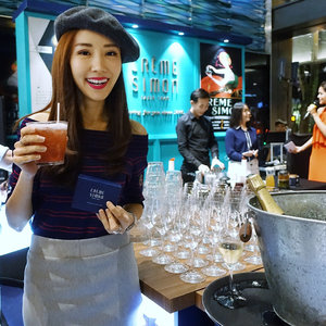 [Media Invite/Beauty Review]  Dressing to the theme while enjoying a fun filled media launch of Crème Simon first ever flagship boutique at OUE Downtown Gallery 1.  Got chosen to mix a specially concocted drink using one of the Wellness Teas, which are newly launched and it tasted so refreshing! 😋  Thanks so much @cremesimon for inviting me over and pampering me with so many of your signature natural skincare range and Wellness Teas! 🙏 . . . .  #skincare #beauty #french #teas #wellness #cremesimonsg #cremesimon . . .  #imageconsultant #instasg #potd #igers #singapore #fashion #lifestyleblogger #clozette #starclozetter #sgblogger #fashionblogger #beautyblogger #lifestyle #picoftheday #sg #stylexstyle #travelblogger #iamtb #fashionstylist