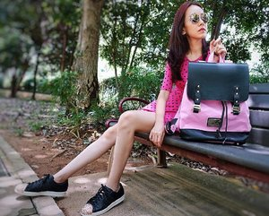 "[Media Drop/Fashion Review] A pink sorta day with my Gaston Luga Praper bag in pink and black, flown in directly from Stockhelm, Sweden. 🤗  Loving this bag to bits cos of the roomy space, dedicated compartments for mobile phone, passports and notebook, etc.  Perfect for on the move and travel. 💪 . .  Get 15% off the bags on www.gastonluga.com by quoting 'mselaineheng15"". There's free shipping and 20% off as tax rebate. 🙀🙀 Thanks @gastonluga for sending this bag over! . . . . .  #GastonLuga #Glwashere #anywherewithGL #backpack #bags #bag #style #deals #shopping . . . . . . . . . . #imageconsultant #instasg #potd #igers #singapore #fashion #lifestyleblogger #clozette #starclozetter #sgblogger #fashionblogger #beautyblogger #lifestyle #picoftheday #sg #stylexstyle #travelblogger #iamtb #fashionstylist"