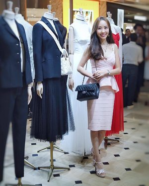 [VIP Invite/Fashion Review]  Thanks DIOR for inviting me to your Spring-Summer 2017 Collection cocktail party on 8 March! I had a great time checking out the amazing designs. . . . . . . . #dior #instastyle #sgig #spring #summer #collection . #imageconsultant #instasg #potd #igers #singapore #fashion #lifestyleblogger #clozette #starclozetter #sgblogger #fashionblogger #beautyblogger #lifestyle #picoftheday #sg #stylexstyle #travelblogger #iamtb #fashionstylist