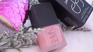 <SWATCH VIDEO> NARS Orgasm Liquid Blush (Limited Edition) - 🙆🏻This is my current vanity favourite! Lightweight, easy to blend, non-greasy & no tackiness! Amazing  invention (Have you seen liquid blush elsewhere? Tell me!) Fares much better than cushion blusher in Summertime! 🔥 - Want further blog reviews? Photos? Or prefer short clips like this one? Let me know ok. 😘✨ #clozette #narsissist #narssg #nars #motd