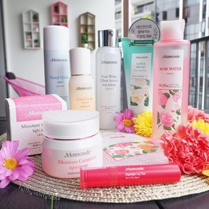 """🌸🌷🌺🌻🌿Infused with florals, Mamonde is the only brand that has a """"zero failure rate"""" for me. I used Mamonde skincare & cushion for 2 years, not one single item has failed me. Not even one. 👍🏼 Fell in love since 2015 and it's the brand I keep repurchasing and sweep off the shelves whenever I hit S.Korea. - Now I don't have to wait until my 🇰🇷 trips! Available in Singapore conveniently on @lazada_sg with its physical store hitting our sunny shores soon! - Thank you @mamondesingapore for coming to us; and for these lovely products that my skin truly adores for years. Saranghae!🙆🏻❤️ (P.S. The new Mamonde highlight lip tint is 💥. One swipe is enough for a vibrant, hydrated, demi-matte Kbeauty lips 💋) #clozette #motd #skincare"""