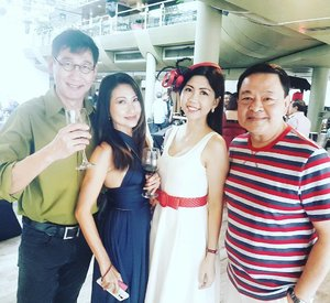 Happy birthday Nora! Thank you for your invitation.  Lovely Sunday to catch up with @jerry_hoh @debrateng_actress @henryheng at the Pavilion with wine and music.  #sunday #birthdayparty #sexties #influencer #celestiafaithchong #imagecoach #ministryofimageconsultancy #sgig #sginsta #FBSambassador #sgmummy #singlemom #soloblisssg #clozette #stylexstyle #starclozetter