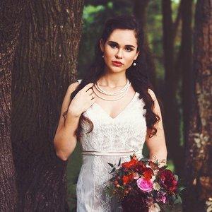 🍃WOODLAND ROMANCE🍂 Loved this elegant and earthy bridal photoshoot. The focus was on classic, timeless beauty. Photographer: @louisavioletphoto  Model: @dynamicweekend  Makeup and hair: @lillianlouie  Dress: @viviangownsg  Florals: @cottonandsage - #bridal #brides #bridalmakeup #bridalmua #sgig #igsg #sgwedding #weddingmakeup #weddingmua #classicbeauty #classicbeauty #clozette #redlip #sgmua #muasg #lace #weddingbouquet #veil #sgbride #sgbrides #updo #bridalhair #bridalhmua #weddinghair #weddingdress #bridalhairandmakeup