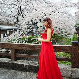R E D ;  When you have a gorgeous red gown with sakura in the background 😍😍 made the right choice to bring this along to Japan 😁  Thank you @rentadress_sg for always making sure im super star ready 💕 @greytan1  #clozette #rentadresssg #ootd #ootdsg #ootdmagazine #ootdcampaign #sgootd #potd #picoftheday #lotd #lookoftheday #wiwt #whatiwore #japan #kyoto #greyvantravels #greyvanwedding