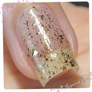 #Luxe-looking @glampolish_ Dragon in 1 coat over bare #nails, from the Fantasia #Flakies series.  International shipping available from @meimeisignatures, who's also having 30% #sale storewide till 2 Jan '15 with code DIAMOND30.  #nails #nailpolish #lacquer #polish  #sgig #igsg #sgignails #sgnails #ignails #iger #photooftheday #macro #bellashoot #clozette #onsugar #indiepolish #indienailpolish #indieswatch #glampolish #meimeisignatures #mani