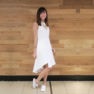 Finally got my body recovered enough to head out today. I'm still coughing but it's so much better without a recurring fever! 🤒  Thus I've decided to go for a super comfy coordinate. 💕  Featuring Elle dress (with pockets) from @Qlothe's Neutral Ground collection and white slip-ons from @batasingapore! 👗  #clozette #qlothe #batasg #batasingapore #comfortablewithit #ootdsg #sgootd #sgwiwt #wiwtsg #sgfashionistas #sgfashionista