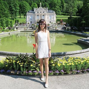 This time last week I was in #Linderhof for #kenting🍯🌛 exploring the #LinderhofPalace! 🏰  This comfy white dress from @purpursg helped to beat the heat and kept me looking pretty! 👗  #clozette #linderhofcastle #puroursg #ootdsg #sgootd #wiwtsg #sgwiwt #sgfashionista #sgfashionistas #sgfashionweekly