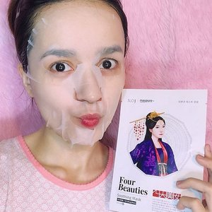 I'm using the Four Beauties Mask Pack in Xi Shi Mung Bean that soothes and freshen up stressed out skin. ☺️💕 Can't believe how it made my skin look fresh, soft and supple. 💜More details on the blog soon. 🤗 Get this at @charis_official or hicharis.net/bloominzahra 💓 #FourBeauties #Mask #SheetMask #FacialMask #charisceleb #Charis #clozette #kbeauty . . . . #beauty #skincare #blogger #bloggers #fblogger #beautyblogger #beautyblog #fbloggers #bblogger #bbloggers #lifestyle #lifestyleblogger #igdaily #igers #instagramers #instablog #bloominzahra