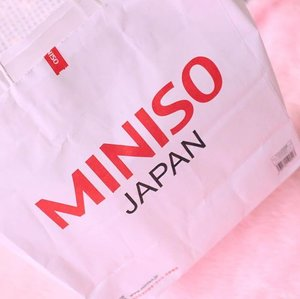 Check out my latest haul from @miniso_ph on the blog. 😉💕 See full details at www.bloominzahra.com 💓 #minisoph #miniso #clozette . . . . #beauty #beautyblogger #blogger #instagramers #igersmanila #blogger #bloggers #bloggersph #lifestyle #lifestyleblogger #blogph #igers #fblogger #fbloggers #bblogger #bbloggers #dubaiblogger #uaebloggers #mydubai