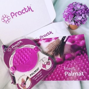 Got this Palmat from the mail today. 💜 Massive thanks to @practk (founded by the brand behind @sigmabeauty) for sendin' this. 😘💓 Cleaning my makeup brushes will be easier now as it quickly removes makeup buildup and harmful bacteria from my makeup brushes.😊 Ahh this is so exciting! ❤️You can use this palmat in 2 ways: You can either wear it on your palm or place it in your sink for a hands-free cleaning. 😉💁🏻💕Review will be posted on the blog soon. Stay tuned 🤗🙈 #prackt #practkpalmat . . . . #clozette #beauty #blogger #bloggers #bloominzahra #beautyblog #beautyblogger #fblogger #fbloggers #lifestyle #lifestyleblogger #makeup #makeuplover #sigma #bblogger #bbloggers #igers #igdaily #instagramers #ignation