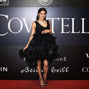 Red Carpet ready for @Covetella's Grand Opening and Second Anniversary celebration! Love my team #lovewhatyoudo ❤️ #covetella #covetellaevents . . . . . . . . . . . . . . #clozette #sgblogger #singapore #sgfashion #redcarpet #sgevents #littleblackdress #styleguide #stylediaries #fashionlook #stylista #fashionpr #fashioninfluencer #streetstyleluxe #streetstylesingapore #streetstyles #redcarpetready #indianblogger #indianfashionblogger