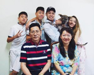 Family   Because family is the most IMPORTANT that you can love and have. #clozette #familyovereverything #family #cny2017 #familyportrait #CTMonde2017 #happychinesenewyear #CNYDay1