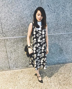 Be Yourself. People don't have to like you, and you don't have to care 😊  Thank You for the Cross. 💕 . . . #clozette #clozetteambassdor #love #pretty #love #sgblogger #singaporeblogger #follow #followme #asians #postthepeople #ootd #chanelboy #chanel #chanelboycaviar #photooftheday #potd #iger #igsg #instadaily #vscosg #vscocam #poppyweekends #mynewclozette #qotd #selca #selfie #selfstagram