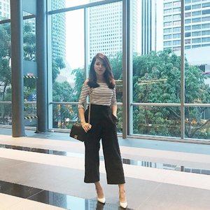 Black & white day because it wasn't a great day. I burnt my new dress 😢 & some mean-ist said mean things to me. 💔...#sleepbetter #tomorrowwillbebetter #clozette #ootd #postthepeople #stylexstyle #monochrome #poppyweekends #sgblogger #singaporeblogger #follow #followme #lookoftheday #asians #love #pretty #iger #igsg #instadaily #chanel #chanelboy #chanelcaviar #vscocam #vscosg #potd #photooftheday