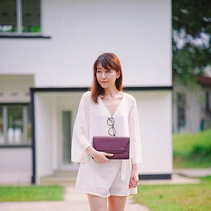 Love matching burgundy colored bags with white top! Especially when the clutch is personalized with my initials on it! ❤️ my new sonder clutch from @luxemono is so pretty and versatile! I'm very impressed with the quality too!  #clozette #fashion #nature #lookbook #ootd #instahub #explore #igdaily #igers #igsg #sgblogger #today #me #vscocam #photography #sonyimages #travel #photooftheday #claireaudreyootd #zeiss #madebyttr #luxemono