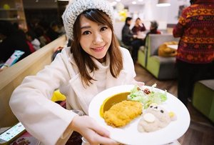 *throwback* With rilakkuma curry rice at rilakkuma cafe!! So cute hehehe! Bring me back to taiwan!  #clozette #fashion #fashiondiaries #fashionblogger #lookbook #ootd #instahub #explore #outfit #girl #igdaily #igers #igsg #sgblogger #today #me #selfie #portrait #vscocam #photography #sonyimages #travel #photooftheday #clairesimontravel #claireaudreyootd #stylexstyle #taiwan #rilakkumacafe #zeiss #food