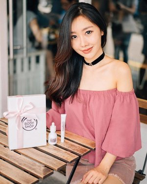 Absolutely in love with @thebodyshopsg's newly launched healthy brightening Drops of Light range! Been using their serum and eye cream for a week now and my face looks refreshed, with the eye outline visibly brightened 😍 #thebodyshop #thebodyshopsg #dropsoflight #clozette #sheenaphuaskincare