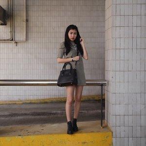 Sunday - (Feat. Signe Faux Leather Tote c/o @bagladyonline) More @ www.baglady-online.com #clozette 📷: @jonathankyw