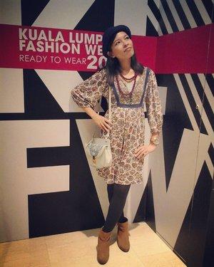 Pavilion #KLFWRTW2016 Day3 (Nadia Marni + Sean & Sheila + Adila Long + Sazzy Falak / Angel Chen + Melinda Looi); Brown floral empire waist dress, sky cami & tawny boots #Mango @mango || Grey tights #DorothyPerkins @official_dorothyperkins || Navy bowler hat #HM @hm || Mini moon serenity blue SS16 collection #SakuraMalaysia @sakuramalaysia || Diamente pink watch #Guess @guess || #LVWbarcelonaKIDS aubergine necklace#LVWKL @lvwkl 😉👗👢👒👜⌚💄 @clozetteco @fashionvaletcom #iFlookboard #FVKLFWWorthy #KLFW2016 #FloralPrints #Fashion #Style #LOTD #OOTD #WIWT #Blogger #MalaysianBlogger #LifestyleBlogger #SocialMediaInfluencer #Clozette #StarClozetter #cleomsia #instaphoto #instapic #igers