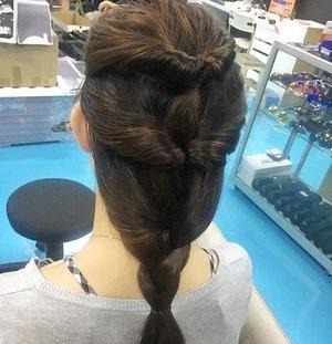 👱🏻♀️💃🏽#blogsg #beautysg #bloggersg #sgblog #sgbeauty #sgootd #ootdsg #hairstylesg #sghairdo #clozette #clozettesg #stylexstyle #sginfluencer