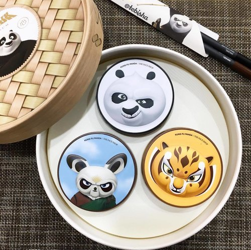 """<div class=""""photoCaption"""">DreamWorks Kung Fu Panda x THEFACESHOP Special Dimsum Set! 🐼PO - Oil Control Water Cushion SPF50+ PA+++ 🐭Master Shifu - CC Ultra Moist Cushion SPF50+ PA+++ 🐯Master Tigress - CC Intense Cover Cushion SPF50+ PA+++ 🖤Inkgel Pencil Eyeliner in 01 New York Black and 04 Choco Latte Cushion available in shade V201 and V203 This limited edition set is available at all @thefaceshop_sg stores for $119/set Grab this worth collectable kit before all gone! #thefaceshop #thefaceshopsg #dreamworksxthefaceshop #kungfupanda #bbcushion #cccushion #makeup #beauty #clozette #kbeauty #koreanbeauty</div>"""
