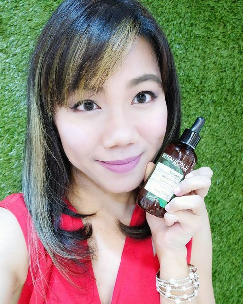 "<div class=""photoCaption"">Been dealing with itchy scalp and brittle hair these days and was desperate to find some relief! Whipped out my #botanicalsfreshcaresg in Botanicals Prescription : Coriander.🌿🍃 Its spicily scented,  reinvigorates texture and reduce breakage and fall-out,  reliving my itchy scalp (which I still think I'll need to visit my hairdresser about the issue...) and promoting new hair growth! Psst... this little potion I'm holding provides even more significant benefit than the mask! 👍👍👍 No silicone, no colorant and no paraben, I urge everyone to try them out and #FindYourBetterNature!  #clozette #lorealsg #botanicalsfreshcare #Coriander</div>"