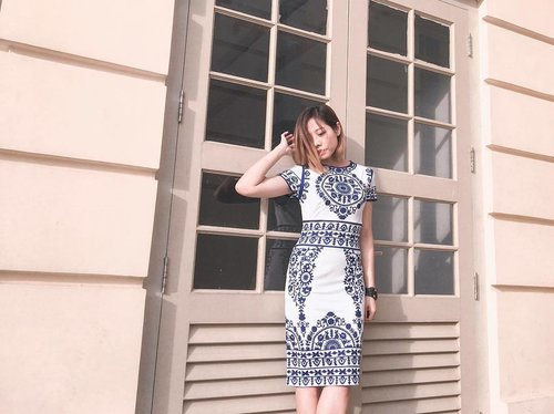 "<div class=""photoCaption"">You can now raid my wardrobe at very affordable prices with @refashsg at POMO Mall and this porcelain printed dress is one of the many brand new or lightly worn pieces that you can get your hands on. 👗If you are looking at decluttering your wardrobe, you could also reach out to @refashsg to consign your clothing to Refash to conserve the environment and reducing clothes wastage to landfills. . . . . #clozette #streetstyle_singapore #stylexstyle #sginfluencer #livewithstyle #sgbeauty #ootdcampaign #styyli #vscofashion #sgigstyle #sgstyle #palytte #ootdsingapore #lookbook #ootdmagazine #classyandfashionable #fashionblogger #travelblogger #refashsg #wearlikenew</div>"