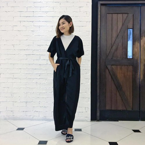 """<div class=""""photoCaption"""">Last evening @lovephilosophy preview of The Microdelivery detoxifying oxygen peel ,a 2 steps treatment in 3min that will be launch @sephorasg  in August  Dressed in ⚫️⚪️theme  @storeunda kimono dress & @rochasofficial Slips  More information on the product in the next post ☝🏻 📷 @paperkitties  #clozette #philosophy #philosophysg</div>"""