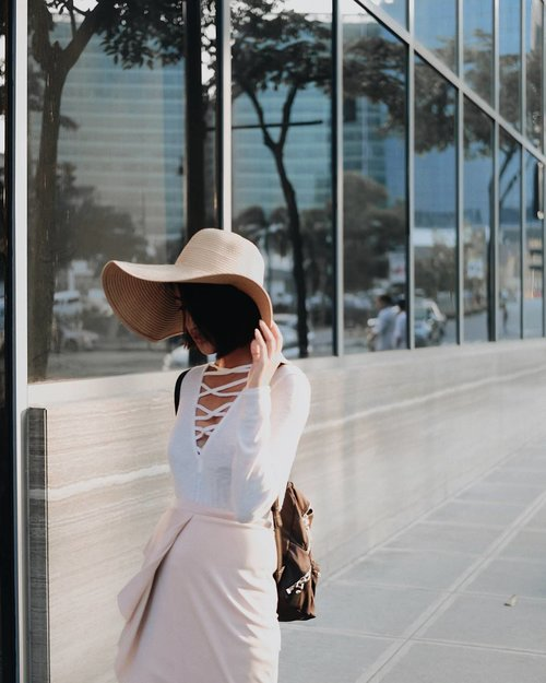 """<div class=""""photoCaption"""">Take a break with @TrendsetterTeam this June 23-25 at the world trade center to shop for your back to school/work OOTD!  Visit the Trendsetter's Bazaar for a wonderful world of amazing deals and adorable finds all on SALE!</div>"""
