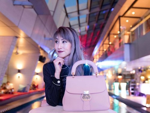 "<div class=""photoCaption"">Sometimes, we all need a good #GNO to unwind and laugh over anything and everything! My partner-in-crime, the stylish Ash Rose DK88 bag ❤️ #TheDK88Bag #DivaLovesBurberry . . #burberry #burberrybag #kualalumpur #ootd #outfit #handbag #fashionista #fashion #itsmylife #girlsnightout #nightlife #fashionpost #weekends #clozette #fashionista #pink</div>"