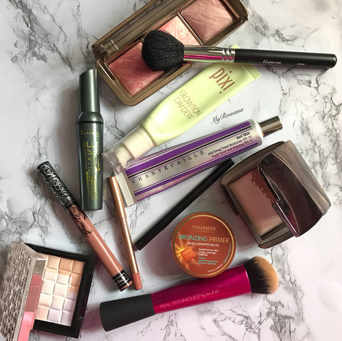 """<div class=""""photoCaption"""">You have no idea how happy I feel when I go through my #makeupcollection to pick my #makeupoftheday • • Today's picks was all about giving a healthy """"glow from within"""" look. • • I'm no beauty guru but I stand by what I said about @rimmellondonuk Volume Shake Mascara. It gives me volume, curl, and most importantly does not smudge. • • #MyRomana #clozette</div>"""