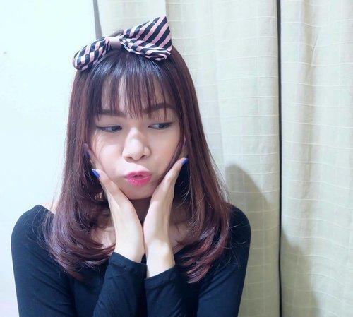 "<div class=""photoCaption"">Suka gonta-ganti warna rambut tapi binggung hair color apa yang punya banyak varian warna dan tanpa merusak rambut ? . . . Yuk cek post terbaru aku tentang my favorite hair color brand from japan - Beautylabo ❤️ . . . Link on my ig bio profile! 🙆🏻 . . . Ps. Im wearing beautylabo hair color in strawberry pink color 🍓 #KBJxBeautylabo #KBJReview #KBJmember #beautylabo #hoyu #beautylabohaircolor #clozette #clozetteid #clozetteidReview #beautynesia #beautynesiamember #beautynesiaReview #beautyblogger #styleblogger #hair #haircrush #haircolor #makeup #makeupjunkie #asian #asianbeautyblogger</div>"