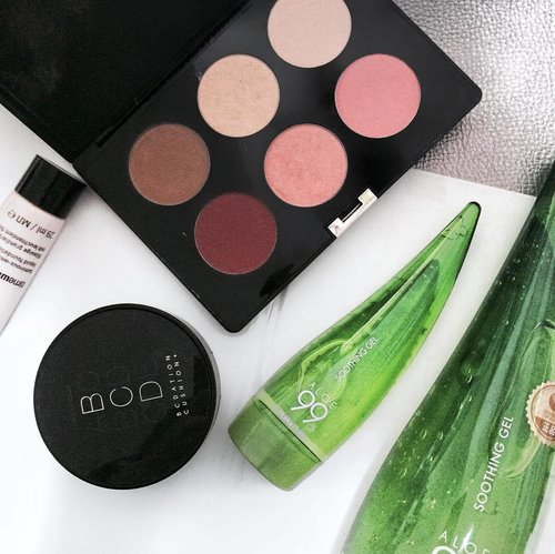"""<div class=""""photoCaption"""">Skin booster and a bit of blush. 💋</div>"""