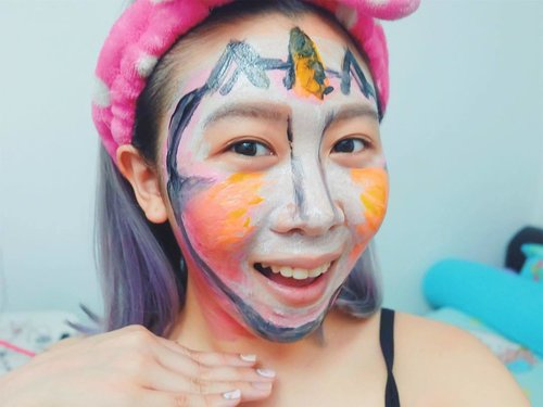 """<div class=""""photoCaption"""">Hi! My name is Unicornyie! And I'm here to tell you that you can check out the tutorial of this cute #Unicorn face paint of mine using B&SOAP Colouring Paints Pack on NicoleYie's YouTube Channel & Blog now! Go and check out how to be a unicorn like me, link in bio! 😂🦄 // #butterflymsia #altheakorea #bsoap #facepaint #coloringpaintspack #clozette</div>"""