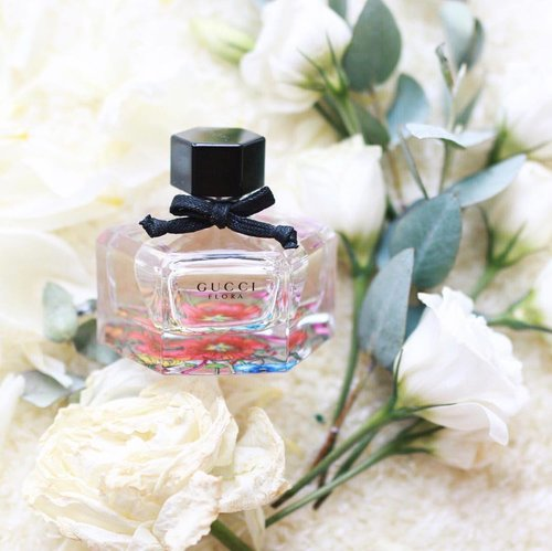 "<div class=""photoCaption"">Shopping for the right fragrance is like shopping for the right blush. It's subtle, yet it makes all the difference. Something light, floral and girly is found in this perfect little bottle of @Gucci Flora. It's so amazing that I cannot get enough! Discover more of the fragrance from the link in my bio! #gucciflora #clozette @clozetteco</div>"