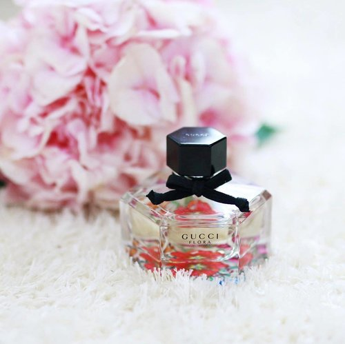 "<div class=""photoCaption"">Whether it's for a cheeky party or casual weekend out, Gucci Flora is my go-to fragrance. I love how it makes me feel like a modern woman with a touch of youthful and feminine spirit. I'm ready to dance the night away, are you? #Gucci #Clozette</div>"