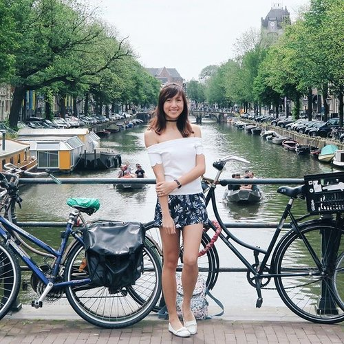 """<div class=""""photoCaption"""">Awesome weather in Amsterdam calls for an ootd shot by the famous canals. ☀️ Feeling very happy now cause I just had the best apple pie at Cafe Winkel 43! 🍎Full outfit from @purpursg, perfect for a sunny day out! 🤗#kenting🍯🌛 #purpursg #clozette #sgootd #ootdsg #sgwiwt #wiwtsg #sgfashionista #sgfashionistas #exploreamsterdam #exploringamsterdam</div>"""