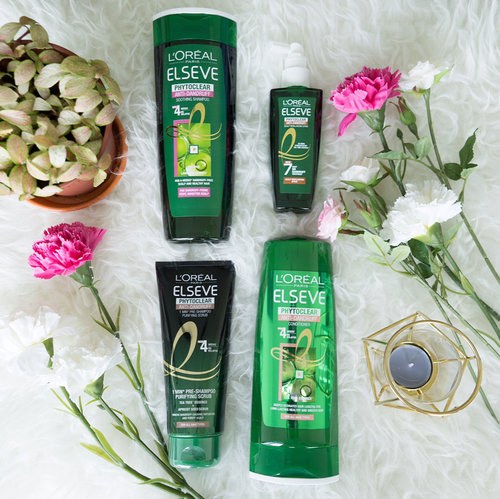 """<div class=""""photoCaption"""">Today I want to share with you the NEW L'Oreal Paris Elseve PhytoClear Anti-Dandruff Range that I have recently received for a review! This is the first Anti-Dandruff Shampoo with Tea Tree Essential Oil! Doesn't that sound exciting to you? It also includes the 1st Anti-Dandruff Scalp Rebalancing Spray with 3X tea tree oil concentration (vs the Shampoos) to effectively fight dandruff relapse! Simply spray onto your scalp & gently massage in the leave-in treatment daily.  The PhytoClear Anti-Dandruff Hair care Range includes 4 products, 1. Pre Shampoo Scrub 2. Tailor Made Shampoo for different scalp types (for either oily, dry or sensitive scalp), 3. Conditioner and lastly 4. The Scalp Rebalancing Spray as a leave-in treatment!  Let's bid goodbye to itchy scalps and irritating white flakes on the shoulders! Go get yours today at all leading personal care stores & supermarkets now! :D #dailyvanitysg #haircare #LorealParisSG #LorealPhytoclearSG #NaturallyDifferentSG</div>"""