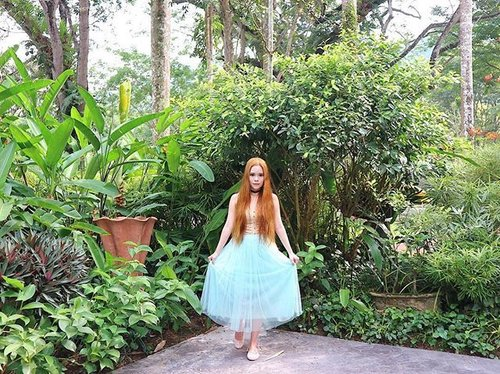 """<div class=""""photoCaption"""">💃 OOTD for today! Just realized how fun puffy skirts can be! 😂 💃 #instadaily #ootd #OOTDMagazineMY #clozette</div>"""