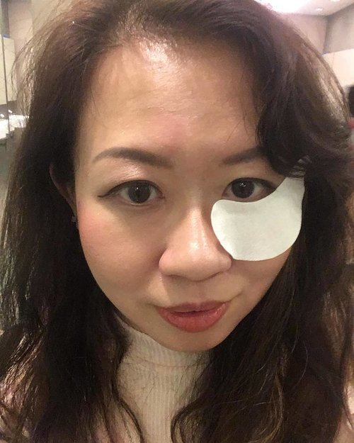"""<div class=""""photoCaption"""">#nofilter #unedited #selfie taken during a beauty workshop last month ☺️ trying to look elegant with The Eye mask on 😅 #beauty #clozette</div>"""
